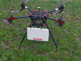 Drone para despliegue de antenas