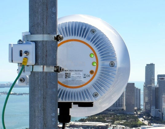 Radio para backhaul wireless de corto alcance