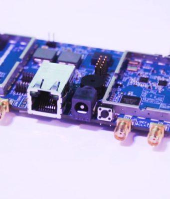 Radio definida por software con procesador integrado
